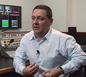 José Chaves, director of technology at TV Cultura in São Paulo, and his engineering team designed a new digital asset management system in 2005. The technological evolution extended to the physical structure of the broadcaster and to the production, editing and exhibition areas and consumed about US$ 6 million
